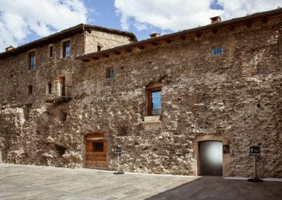 Tra le case vacanza nel centro di Aosta, Toruneuve5 Floor 2 è perfetta per goderti l'estate a Pila (Pila Bike Park) e l'inverno nelle migliori piste da sci in Valle d'Aosta.